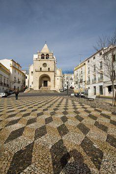 Spectacular Elvas, with calcadas Portuguesas pavement in this square.