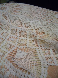crocheting tablecloths | handmade doilies and tablecloths