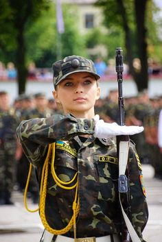Women In Uniform Indian Army Wallpapers, Ukraine Women, Military Girl, Female Soldier, Military Women, Girls Uniforms, Madame, Special Forces, Armed Forces