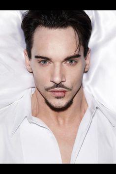 Johnathan Rhys Meyers #Dracula