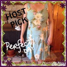 🎀HP🎀NWT Hawaiian Floral Print Dress - Medium 🎀HOST PICK March 1st🎀NWT Hawaiian Floral Print Dress - size Medium - Purchased as bridesmaid dress for beach wedding that never happened - Never Worn Two Palms Dresses