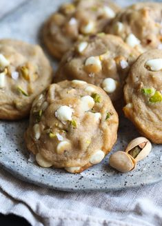 Salted Honey Pistachio Cookies are soft, extra flavorful cookies made with browned butter, sea salt, honey and salted pistachios. This sweet and salty treat is easy to make, too! Easy Homemade Cookies, Cookie Recipes, Dessert Recipes, Dessert Bars, Honey Dessert, Cookie Flavors, Icing Recipes, Quiche Recipes, Pistachio Cookies