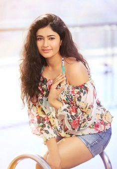 Get Actress Poonam Bajwa Hot Photos and Latest Sexy Bikini Images or New Saree Bra Boobs Showing Pictures with Cute Kissing HD Wallpapers. South Indian Actress, Beautiful Indian Actress, Beautiful Women, Beautiful Actresses, Beauty Full Girl, Beauty Women, Punjabi Girls, Bollywood Photos, Bollywood Girls