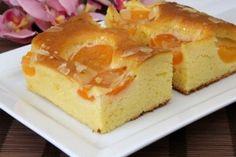 Blechkuchen mit Marillen Rezept Dessert Recipes, Desserts, Relleno, Donuts, Sweet Tooth, Sweet Treats, Cheesecake, Cherry, Cooking Recipes
