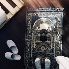 Find images and videos about islam, allah and pray on We Heart It - the app to get lost in what you love. Islam Religion, Islam Muslim, Allah Islam, Islam Quran, Muslim Women, Beautiful Islamic Quotes, Islamic Inspirational Quotes, Quran Verses, Quran Quotes