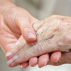 4 End-of-Life Care (Hospice Care) Nursing Care Plans - Nurseslabs Adult Diaper Rash, Hospice Nurse, Alzheimer Care, Dementia Care, Nursing Care Plan, Art Therapy Activities, Life Care, Elderly Care, End Of Life