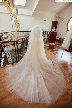 Andrada and Stefan – Fotografii de Nunta Wedding Dresses, Fashion, Bride Dresses, Moda, Bridal Gowns, Alon Livne Wedding Dresses, Fashion Styles, Wedding Gowns, Wedding Dress