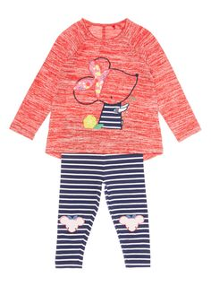 This mouse patterned top and leggings set is a colourful day-to-day outfit. Partner with trainers. Girls red mouse top and leggings set Mouse pattern Crew neck Long sleeves Keep away from fire
