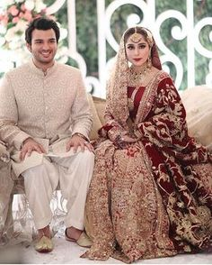 We can't get enough of gorgeous bride Bridal Mehndi Dresses, Pakistani Wedding Outfits, Wedding Dresses For Girls, Pakistani Wedding Dresses, Bridal Outfits, Bridal Lehenga, Pakistan Bridal, Desi Bride, Indian Designer Outfits