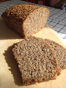 Bedstes LCHF-bröd | lottalagarmat Low Carb Recipes, New Recipes, Baking Recipes, Cake Recipes, Eat To Live, Low Carb Bread, Banana Bread, Food And Drink, Yummy Food