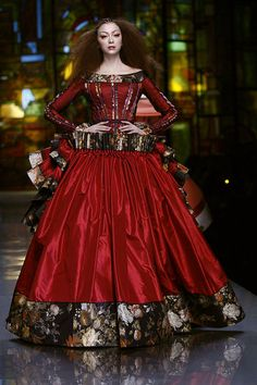 Christian Dior Delftware/Dutch Golden Age-inspired Spring 2009 haute couture