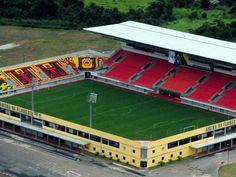 Arena da Floresta - Rio Branco (AC) - Capacidade: 20 mil - Clubes: Andirá, Atlético Acreano e Rio Branco