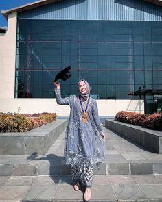 Kebaya Modern Hijab, Kebaya Hijab, Kebaya Dress, Kebaya Wedding, Disney Wedding Dresses, Pakistani Wedding Dresses, Wedding Hijab, Dress Brokat Muslim, Kebaya Muslim