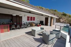 Villa Surf View is a brand new, comtemporary and design villa. Located in Toiny, St Barth, FWI. Surf View Villa is a gorgeous villa and beyond its luxury and the modernity of its decoration and its equipments, it's the calm and serenity that clearly highlight its authenticity.
