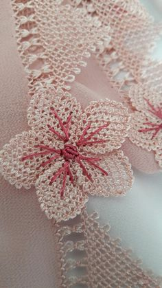 Needle Lace, Burlap Wreath, Projects To Try, Humor, Sewing Needles, Lace, Bullion Embroidery, Fabric Flowers, Dots