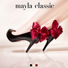 mayla classic Sindeng~Grande valse brillante in E-flat major~ (8cmラウンドトゥタイプ) 「『重なり合うワルツのように~華麗なる大円舞曲~』可憐なドレスのように煌めく高貴なシルエット 漂うカシスの甘い香りに酔わされた美しいふたつのボディはワルツのように重なり合う すべてを虜にする魅惑のダンスはとても優美で繊細 そのしなやかな世界に惹きつけられるのにそう時間は必要としないでしょう」 #pumps #fashion #mayla_classic