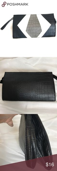 Charming Charlie B&W Clutch Great pre-loved condition. No damage. Charming Charlie Bags Clutches & Wristlets