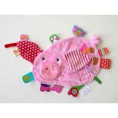Doudou étiquette cochon - Doudou cochon avec de nombreuses étiquettes de matières, textures et couleurs différentes qui sera à n'en pas douter le comp