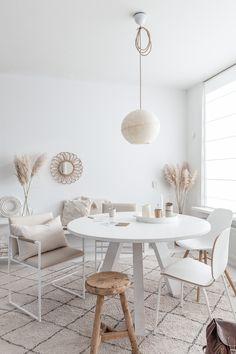 Modern Room Decor, Stylish Home Decor, Bedroom Decor, Bohemian Living, Decor Interior Design, Interior Design Living Room, Beige Living Rooms, Design Your Bedroom, Apartment Makeover