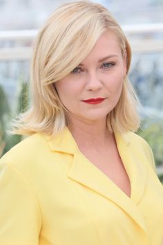 11 best hair colors this summer: Kirsten Dunst in a soft butter highlights