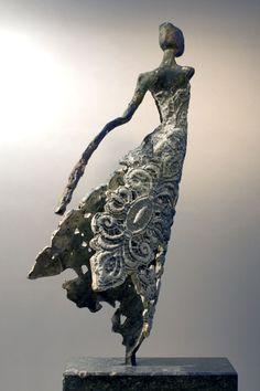 """Agnes"" sculpture bronze by Loes Knoben Netherland Sculptures Céramiques, Art Sculpture, Angel Sculpture, Ceramic Figures, Ceramic Art, Art Pierre, Contemporary Sculpture, Clay Art, Metal Art"