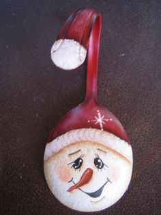 Snowman Painted Spoon Christmas Ornament via Etsy. Certainly have a few old spoons around to make a few of these,