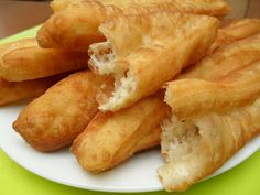 Vietnamese Soul Food: Deep Fried Bread Sticks-Banh gio chao quay