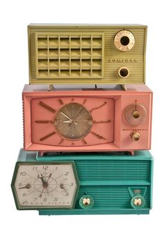 vintage radios-I think a bright yellow one would be adorable in my bathroom