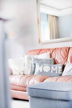 Dream Rooms For Women Couch - Decoration Home Home Improvement Loans, Home Improvement Projects, Cheap Home Decor, Diy Home Decor, Design Marocain, Best Leather Sofa, Grey Leather, Decoration Stickers, Diy Casa