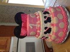 Minnie Mouse cake .. Buttercream with modeling chocolate
