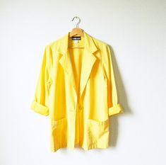 Bright Yellow Vintage Blazer / Summer Weight Yellow Jacket / Boxy Oversized Blazer in Lemon Yellow