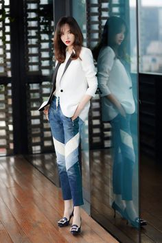 Tiffany Tang, Cool Pictures, Duster Coat, Normcore, Chic, Jackets, Style, Fashion, Shabby Chic
