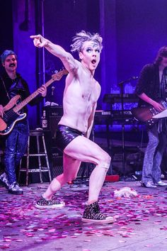 John Cameron Mitchell in HEDWIG AND THE ANGRY INCH