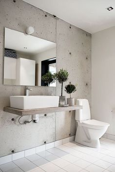 Stylish and Contemporary Interior Greenery Ideas Concrete Bathroom, Bathroom Red, Modern Bathroom, Bathroom Inspiration, Interior Inspiration, Beautiful Bathrooms, Contemporary Interior, Contemporary Style, Inspired Homes