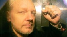 Assange's father fears son's extradition to US - BBC News Mexican Drug Lord, Bbc News, Father, El Chapo, Pai