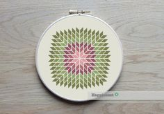 geometric cross stitch pattern, giant snowflake, modern cross stitch, PDF ** instant download** by Happinesst on Etsy https://www.etsy.com/listing/221019803/geometric-cross-stitch-pattern-giant