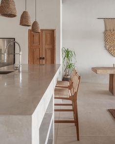 Boho Kitchen, Home Decor Kitchen, Kitchen Interior, Home Interior Design, Home Kitchens, Kitchen Design, Interior Design Inspiration, Wood Interiors, Bungalow Interiors