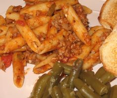 We like Hamburger Helper but we don't like the MSG or other icky ingredients! Increase/alter seasonings and/or cheese to suit your tastes! Diner Recipes, Top Recipes, Diner Food, Sodium Free Recipes, Beef Macaroni, Homemade Cheeseburgers, Homemade Hamburger Helper, Stuffed Green Peppers, Meals For One