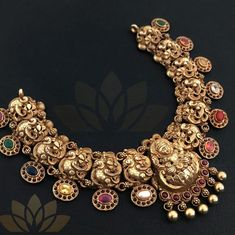 One must have necklace that goes with every colour attire Bridal Jewelry, Gold Jewelry, Gold Necklace, Baby Jewelry, Silver Jewellery Indian, Temple Jewellery, India Jewelry, Ethnic Jewelry, Handmade Jewelry
