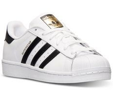 abdc414486ac08 8 Ways to Wear Comfy Shoes   Still Look Super Stylish
