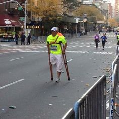 WHAT'S UR EXCUSE  One of the inspirational runners yesterday's #NYC #MARATHON!   #whatsyourexcuse #noexcuses #run #winning #crutches #manhattan #fit #fitfam #gymhero #gymheroes #ilovegymheroes #motivation #instadaily #dreams #health #hero #workout #work #champion #nycmarathon2015 #cardio