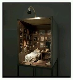 Charles Matton A Romantic Collector's Bedroom. Charles Matton A Romantic Collector's Bedroom. Shadow Box Kunst, Shadow Box Art, Miniature Rooms, Miniature Houses, Beaux Arts Lyon, Arte Assemblage, Feet Gallery, Space Gallery, Bedroom Art