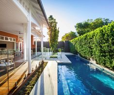 Australia is a nation of swimming pool lovers. So it makes sense to look in Aussie backyards if you want to see cutting-edge swimming pool design and technology.