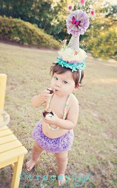 Baby 1 year old photography session. Cake Smash Formerly Flying Fig Photography.