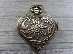 1 Pcs Antique Bronze Heart Pocket Watch Pendant, Antique Brass Vintage Heart Pocketwatch, Steampunk Clock Pendants