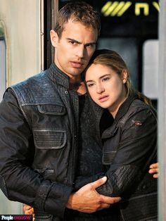 We are divergent and we can't be controlled!: Poza noua cu Four & Tris