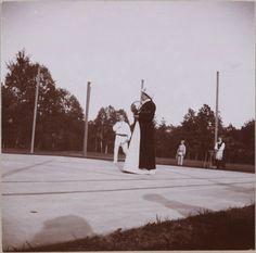 Spala 1912: um jogo de tênis em Spala.