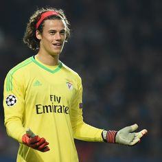Manchester United Transfer News: Benfica Dismiss Mile Svilar Exit Rumours