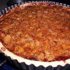 Cornflake Tart - uk recipe with strawberry jam, golden syrup, and cornflakes Uk Recipes, Tart Recipes, Dessert Recipes, Pudding Recipes, Family Recipes, Dinner Recipes, Cornflake Tart Recipe, Cornflake Cake, English Food
