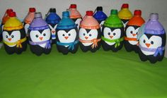 Pingüinos con botellas inspirados en CraftBerry Bush Christmas Games, Christmas Crafts, Xmas, Christmas Ornaments, Coke Bottle Crafts, Plastic Bottle House, Recycled Christmas Decorations, Classy Christmas, Thanksgiving Crafts For Kids
